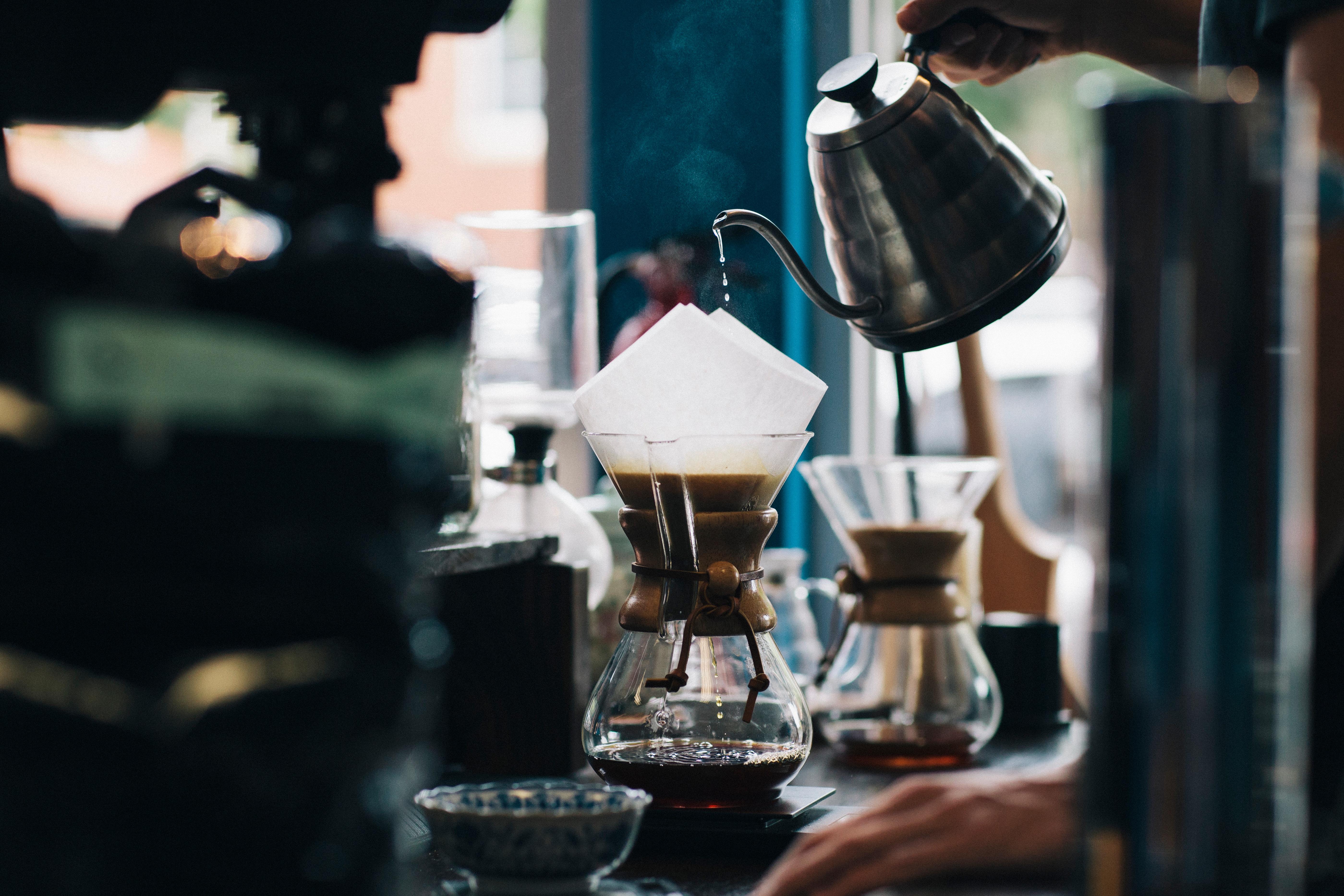 ヤカンではなく、ケトルがコーヒー用のイメージ
